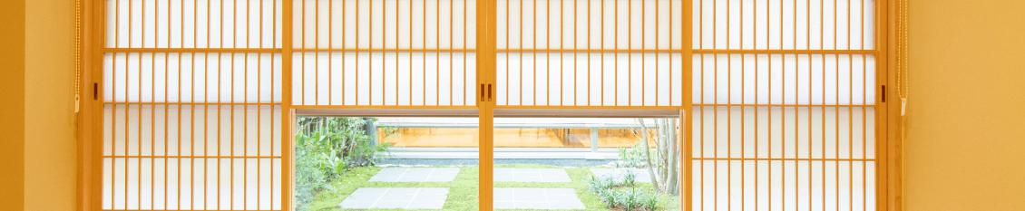 格子窓のあるお部屋